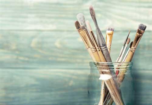 https://artplace.ca/wp-content/uploads/2015/11/mason-jar-brush-holder.jpg