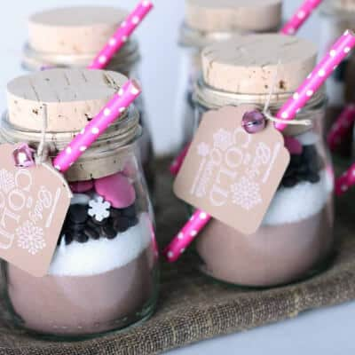 Valentine's Day Mason Jars easy crafting project
